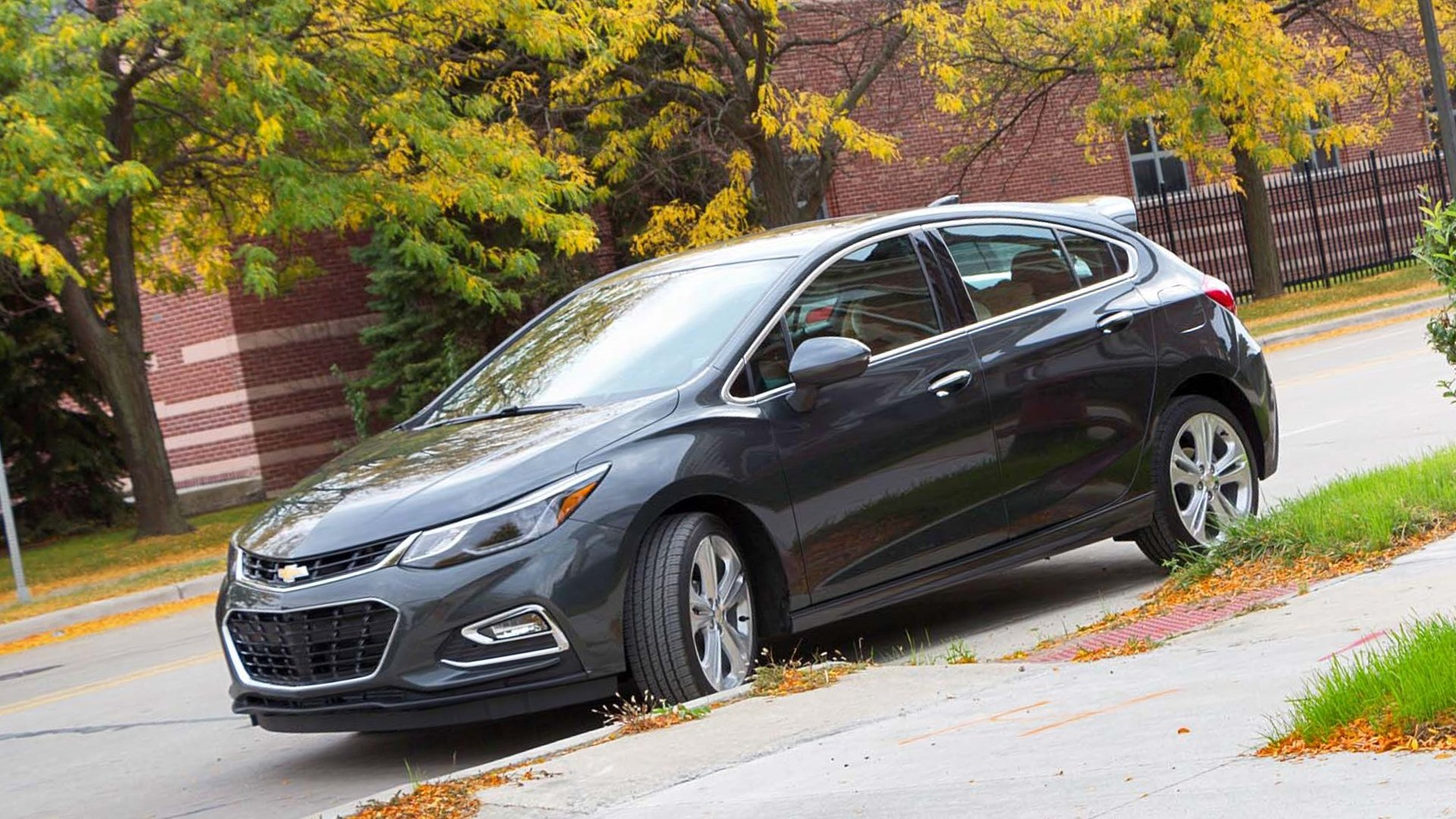 New 2019 Chevrolet Cruze First Pictures