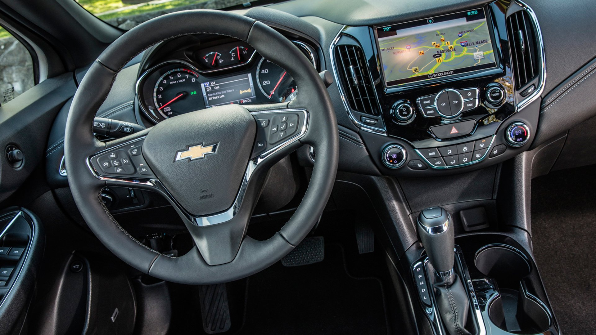 New 2019 Chevrolet Cruze Interior Design
