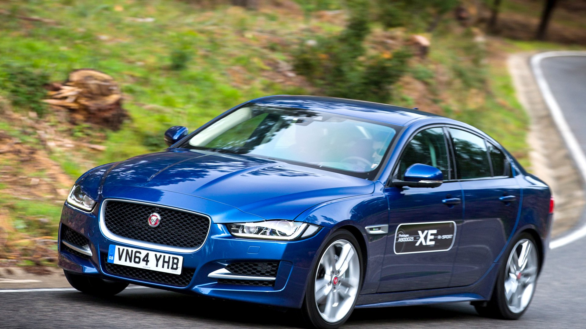 New 2019 Jaguar XE Redesign