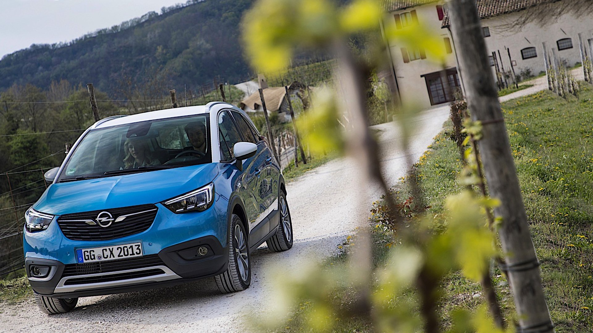 New 2019 Opel Crossland X Test Drive On Road