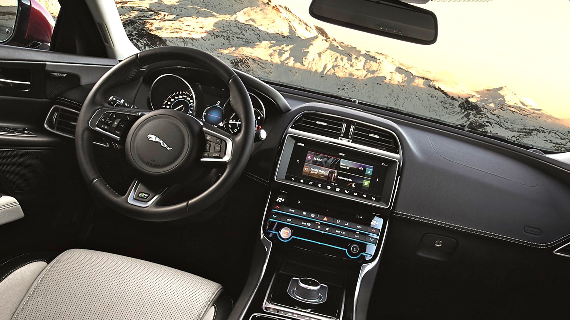 Dashboard New 2019 Jaguar XE HD