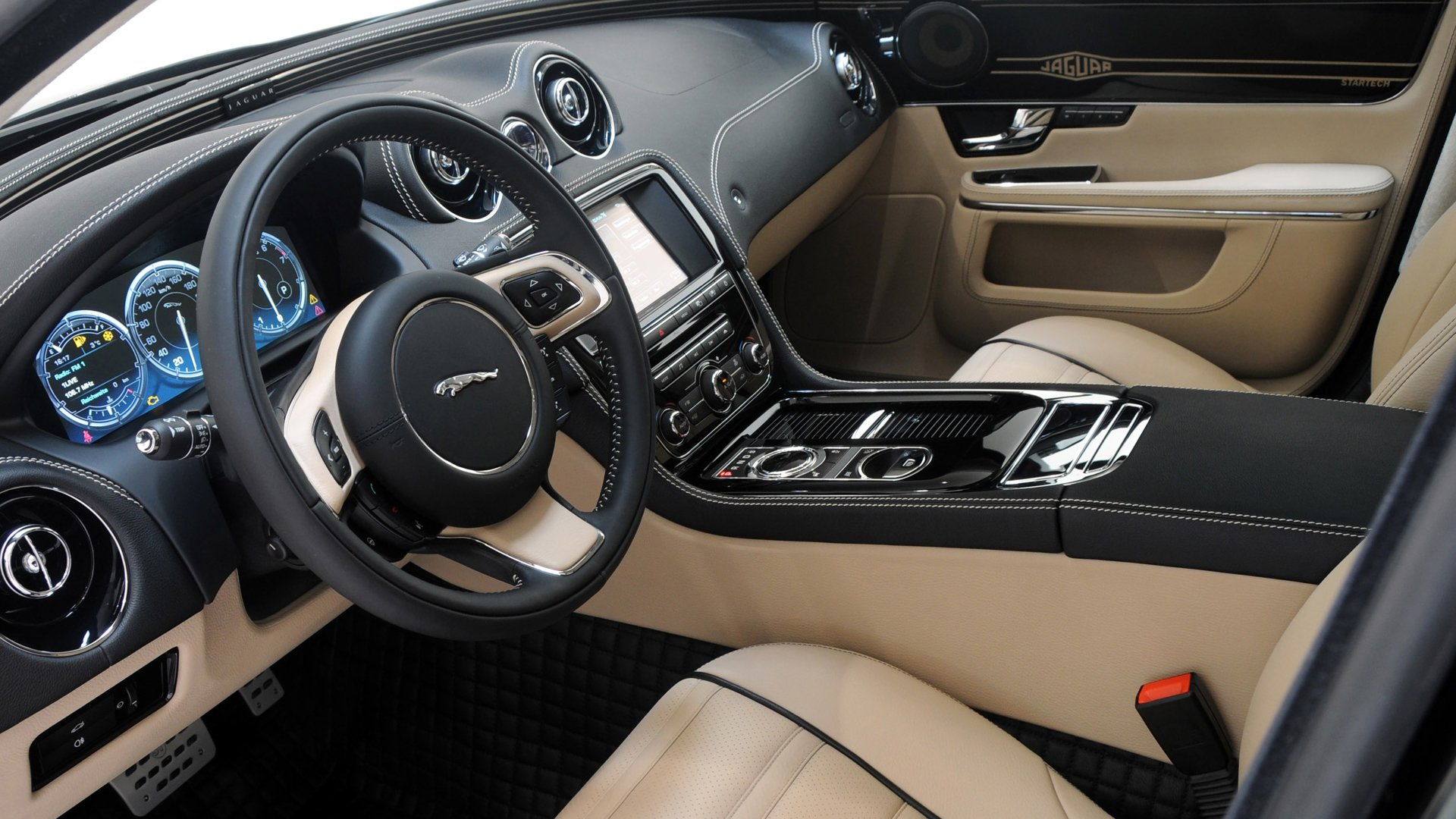 Interior Photos Jaguar XE 2019 HD