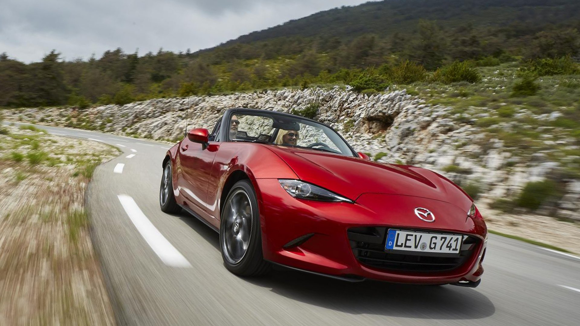 Test Drive On Road Mazda MX-5 2019 HD