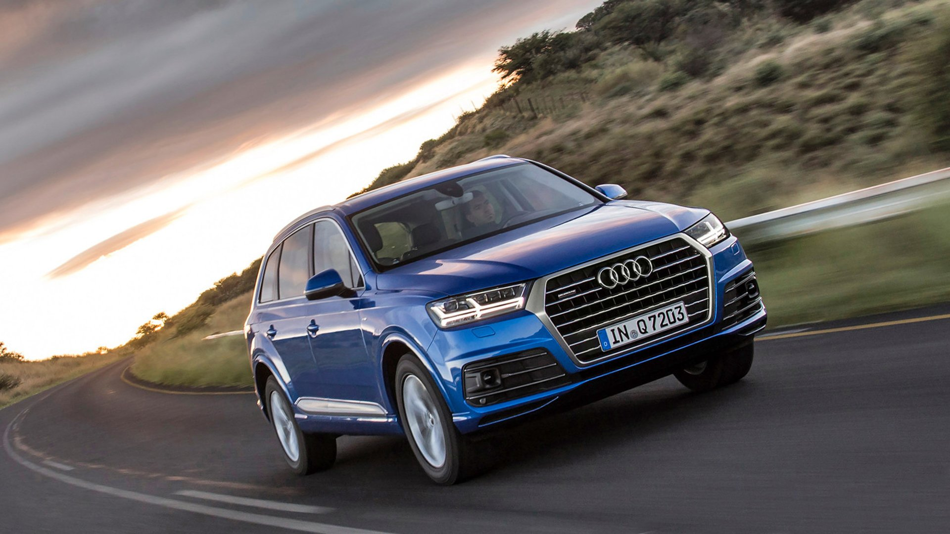 Audi Q7 Photo Gallery HD