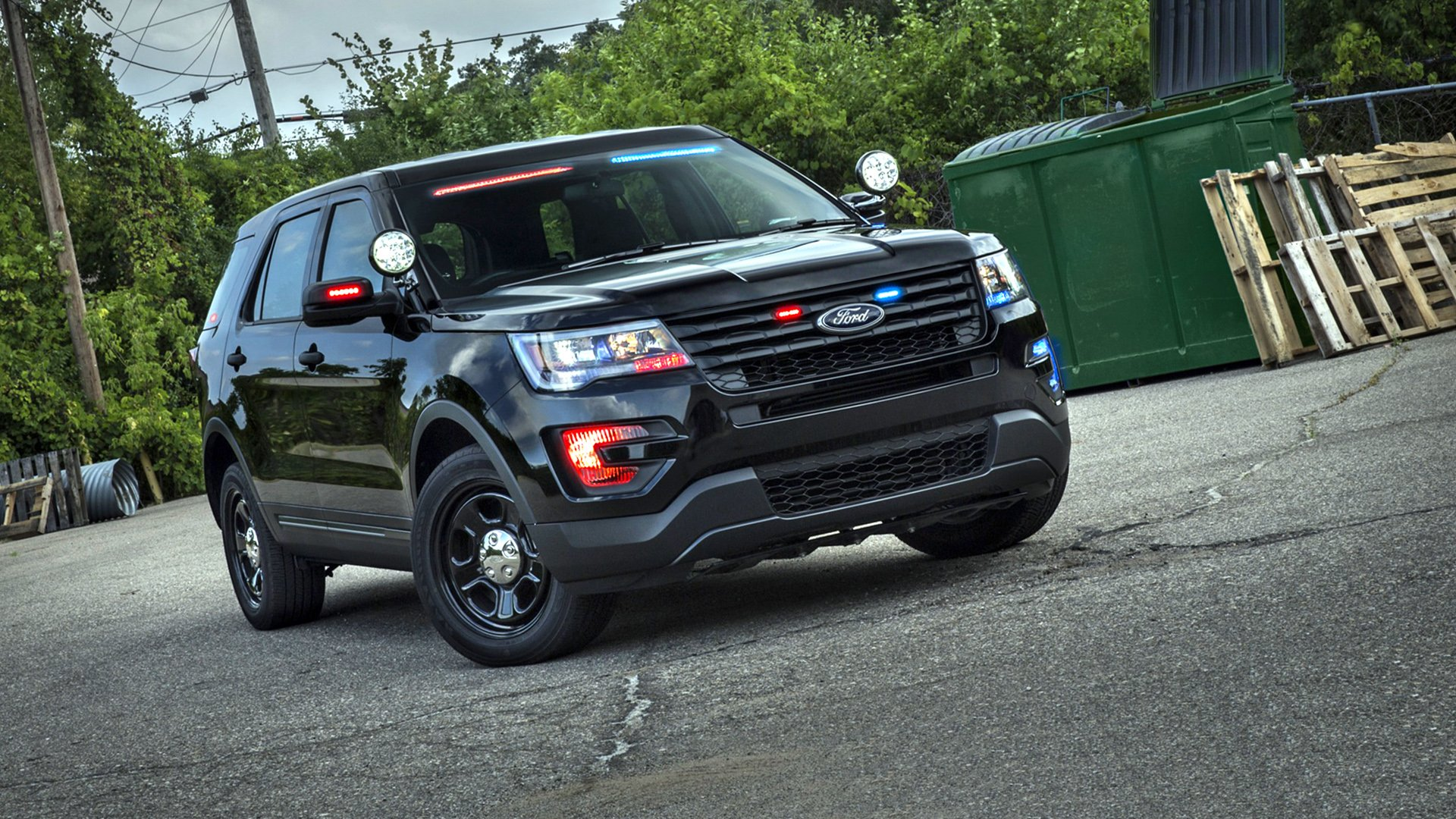 Black 2019 Ford Explorer HD