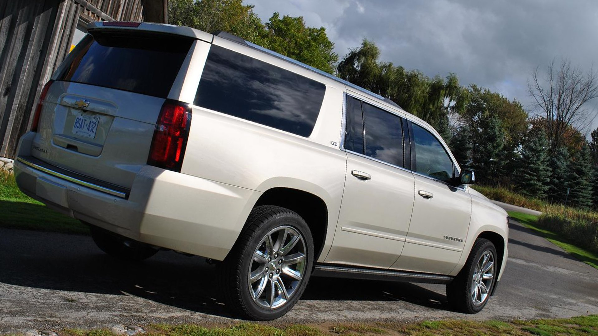 Chevrolet Suburban Wallpaper Andriod iPhone HD