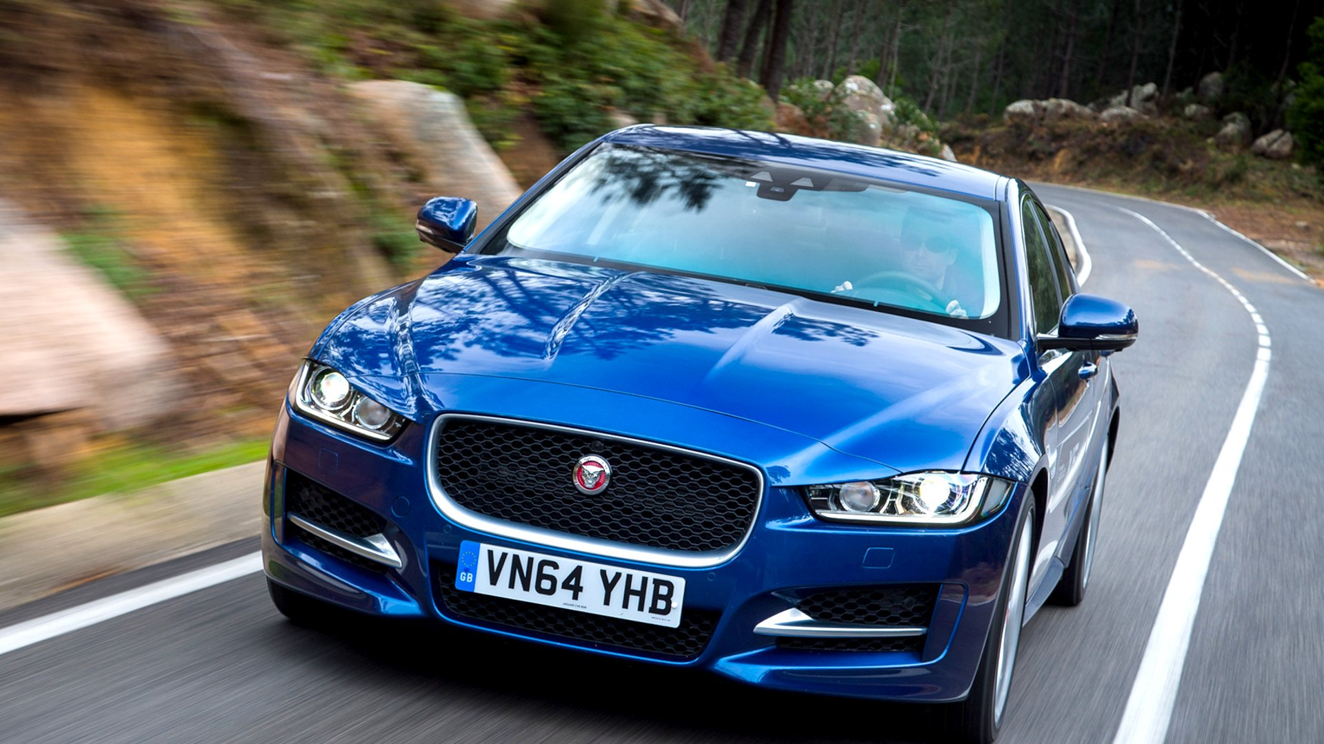New 2019 Jaguar XE Review