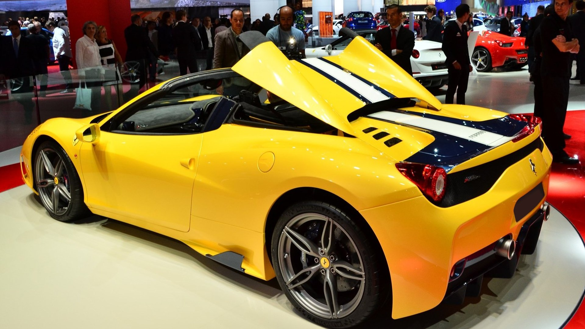 Features Ferrari 458 Speciale A 2019 HD