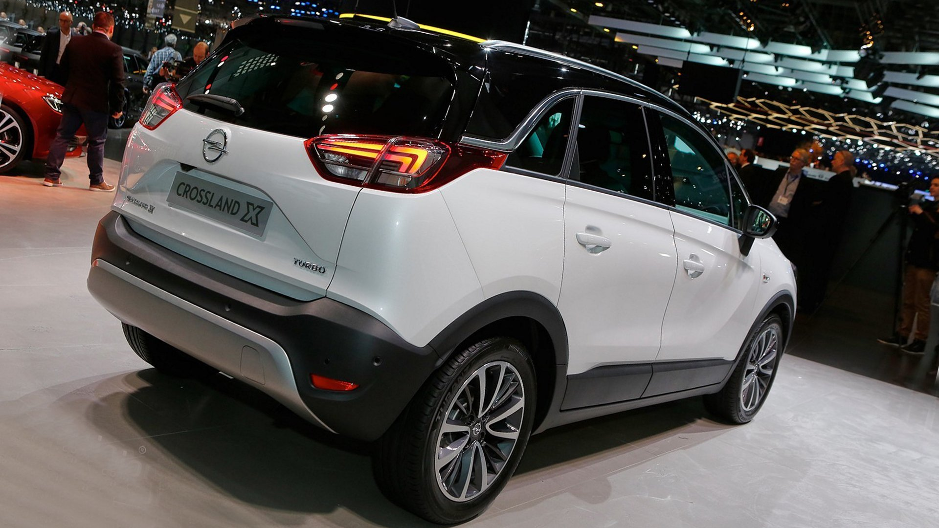 Opel Crossland X Diesel Engine HD