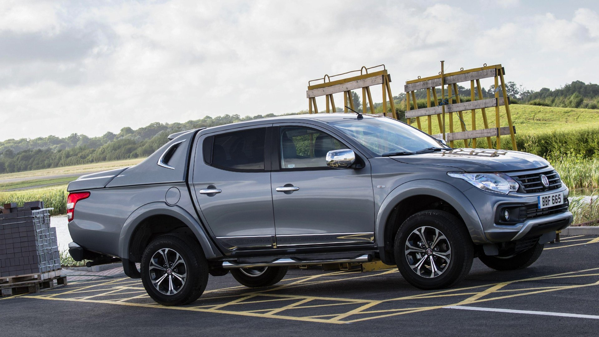 V8 version Fiat Fullback 2017 HD